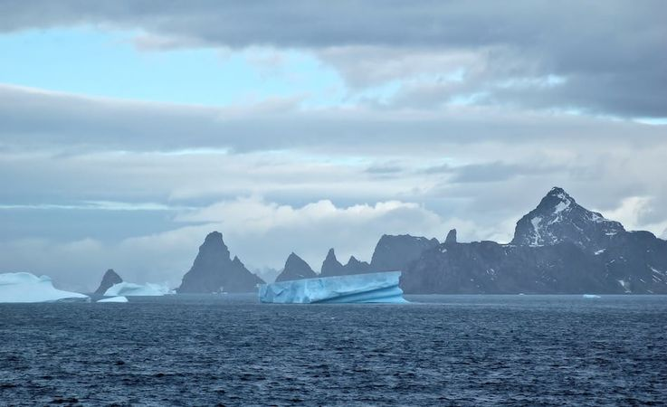 Die subantarktischen Südorkney-Inseln sind extrem abgelegene Inseln mitten im Südpolarmeer. Auf