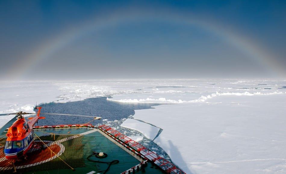 Die Nordostpassage ist eine der wichtigsten Verkehrsverbindungen Russlands. Mehr als 18 Millionen Tonnen Güter wurden letztes Jahr auf dieser Route befördert. Auch Öl und Gas werden von Russlands Feldern hier entlang mit Hilfe von Eisbrechern transportiert. Bild: Michael Wenger